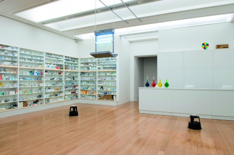 damien hirst's pharmacy, 1992