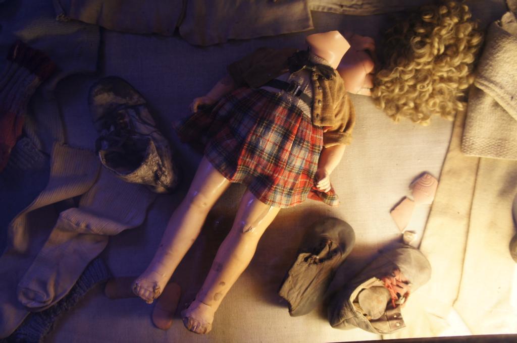 人形、おもちゃなど